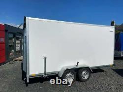13.1Ft x 6.6Ft x 6.2Ft Twin Axle Box Trailer With Fully Lockable Ramp Door 2700K