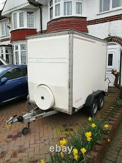 8x5 Box trailer twin axle