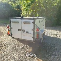 Car Dog Trailer 4 berth twin axle double lockable doors