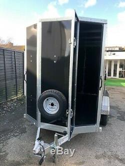 NEW Large Tickners GT956 9ft x 5ft x 6ft, Twin Axle Lockable Box Tow Van Trailer