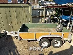 Twin axle braked trailer