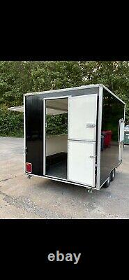 Twin axle catering trailer in immaculate condition