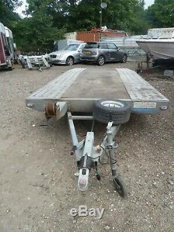 Twin axle low level car transporter trailer