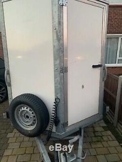 Twin axle roller door box trailer 3.5m load area, 2016 model