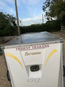 Bateson Remorque, Remorquer Un Van. Double Essieu. 8 X 4 X 5 Pieds Hauteur