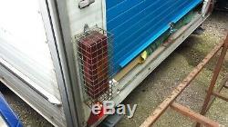 Boîte À Double Essieu Remorque Blanche 10ft Boîte X 7 Pi Avec Huck Électrique Up & Porte Rouleau
