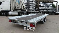 Flat Bed Car Transporter Remorque 16.4ft X 6.8ft Double Essieu Remorque 2700 KG