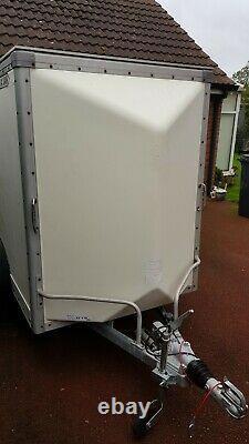 Indespension Traquage D'une Remorque Van Box Twin Essieu
