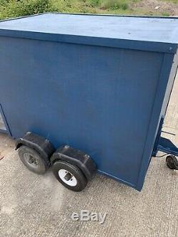 Léger Double Essieu Box Remorque Non Freinée