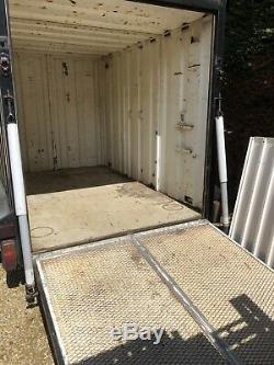 Metal Box Remorque Deux Essieux Avec Rampe 102 Long 63 Large