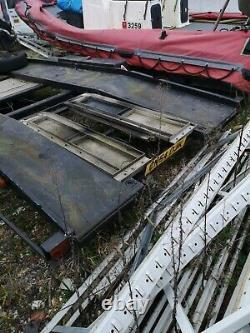 Remorque De Transport De Voitures À Deux Essieux Treuil