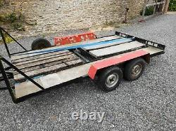 Remorque Transporteuse À Deux Essieux