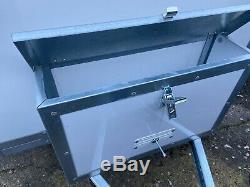 Tickners Box Remorque Double Essieu 7'x5'x5' Avec Rampe De Descente De Chute Arrière En Aluminium