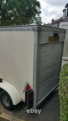 Twin Axle Box Remorque Tow-a-van Water Tight 10ft X 4ft Bon État